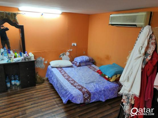 """""""Crazy Price""""1bhk  family room behind Retail Mart, wakra (Golden Opportunity) Semifurnished"""
