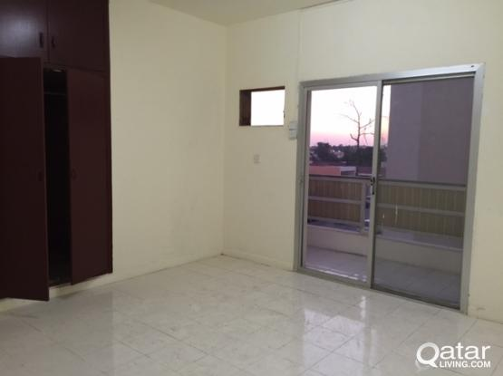 For Rent in Nasr Street  4rooms, , Partition Allowed