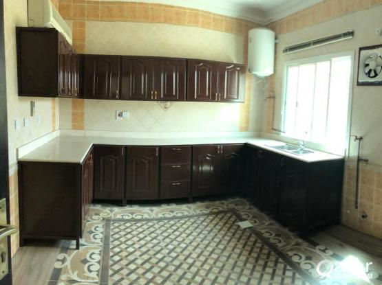 FOR RENT :4 BHK COMPOUND VILLA AT GHARAFA