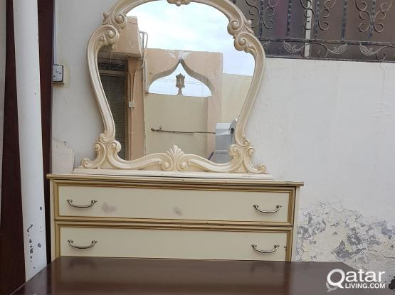 Dressing table & tea table for sale.