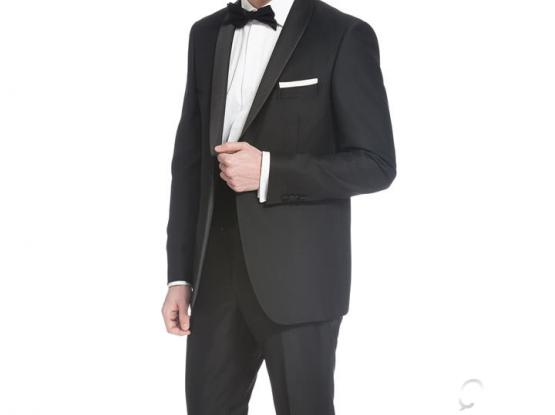 Boggi Milano 3 peice Tuxedo worn once with shirt and vest size 50