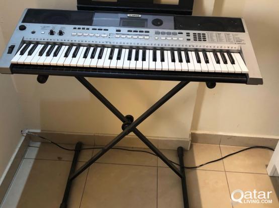 synthesizer- Yamaha PSR I 455