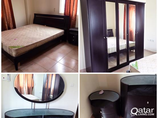 Sell Bedroom set Excellent condition