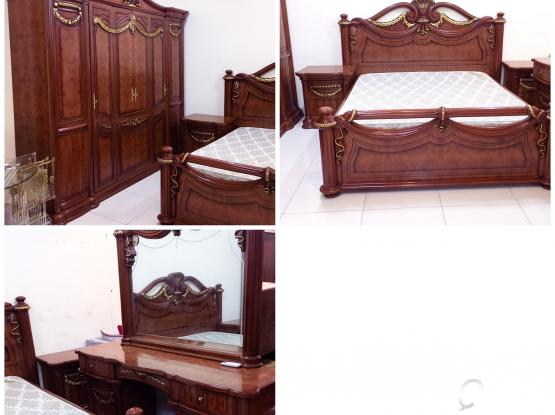 For sale King Size Bedroom Set Excillent Condition same like new little used