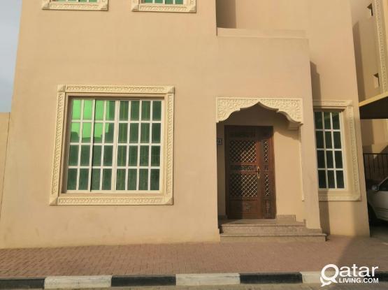 Unfurnished Villa in Compound - Abu Hamour