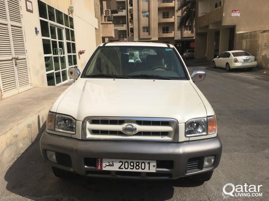 Nissan Pathfinder SV 2000