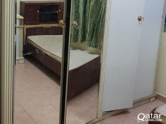 Executive Bachelor accommodation available - old alghanim