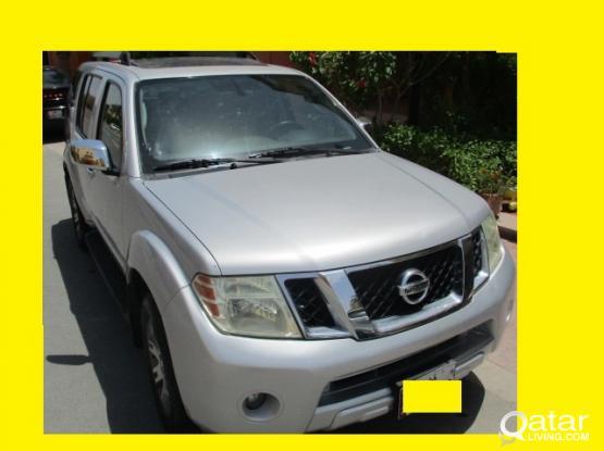 Nissan Pathfinder LE 2010