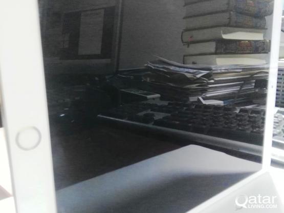 Apple iPad Pro 10.5-inch Wi-Fi 256GB –Gold (icloud lock)