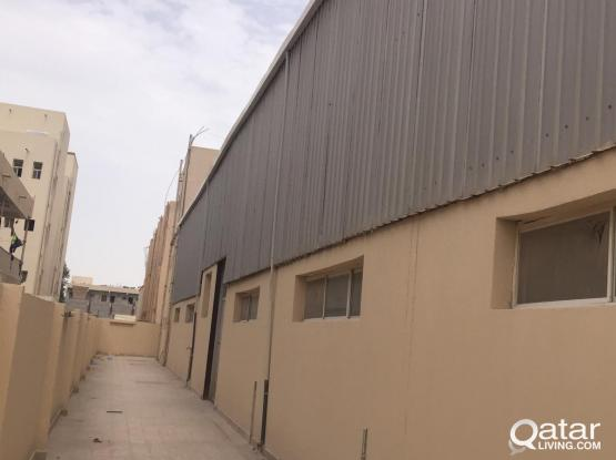 850 SQUARE METER STORE WITH 12 ROOMS  RENTIN INDUSTRIAL AREA
