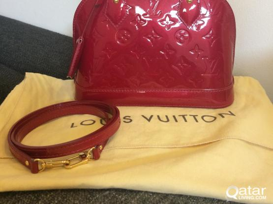 Louis Vuitton Alma BB Vernis Leather in Pomme D'amour (Authentic)