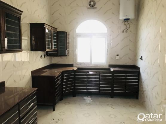 Family villa for rent - Aziziya