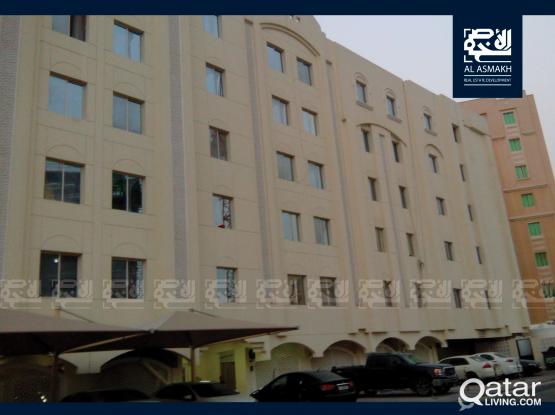 Unfurnished 2-BDR Apartment In Muntazah (40Flat)