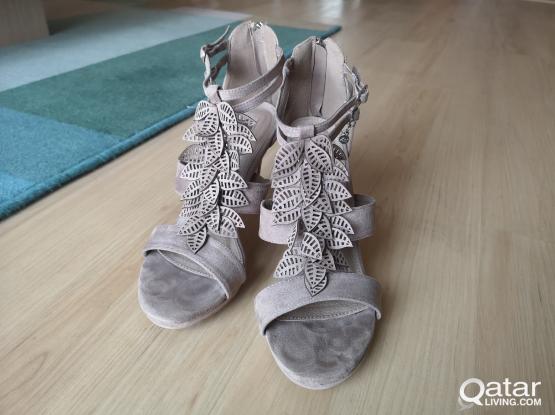 Soft beige heels size 40