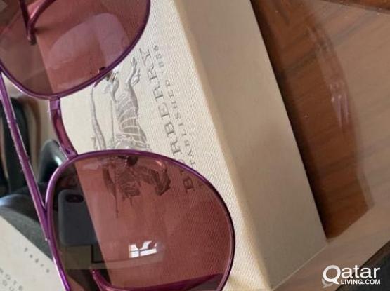 burbery sun glasses new not used