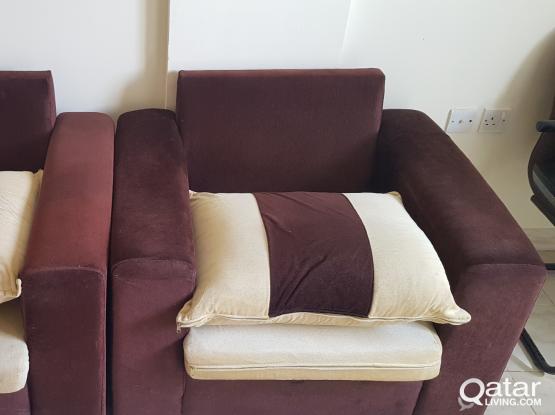 sofa chair 2 for urgent sale @ Qar.150 cal 7039100