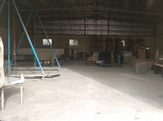 500 SQUARE METER STORE WITH 12 ROOMS CAMP FOR RENT IN INDUSTRIAL ARE