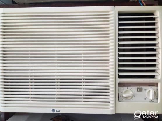 WlNDOW LG AC FOR SELL GOOD QUALlTY CALL .ME70697610.
