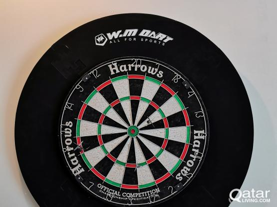 Dartboard and 3x Arrows (Official Competition - International Championship Spec)