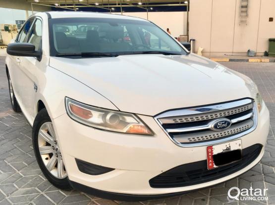 Ford Taurus Standard 2011