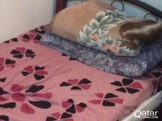 Bed space available Niw Murra full furnished