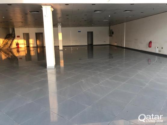 ِ FOE RENT: A spacious showroom area at a prime location on Salwa Road