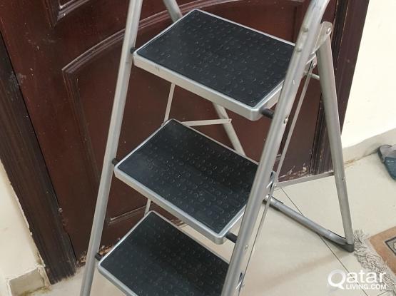 4 steps Ladder, heavy duty & light weight