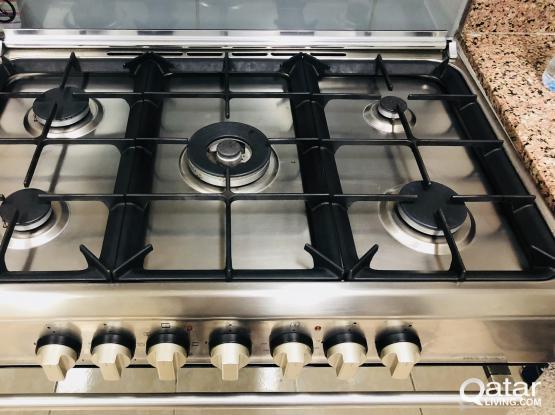 Cooking range excellent condition