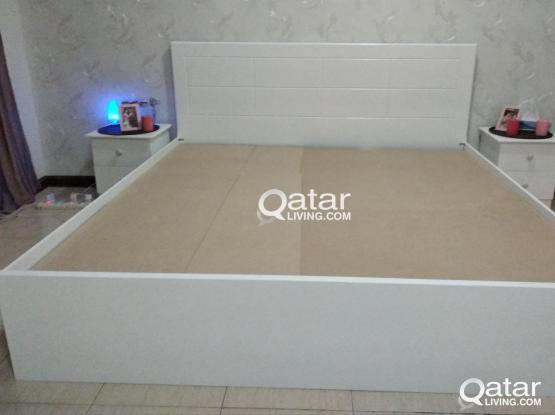 We are sale Made in Doha Full Bedroom set.Cell:74401305