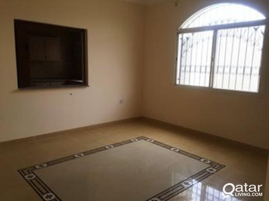 5 BHK Unfurnished Compound Villa in Gharafa