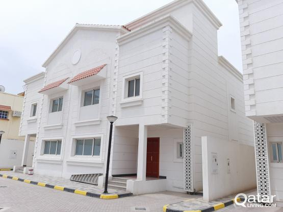 Brand new 4+1 maid room villa available old airport