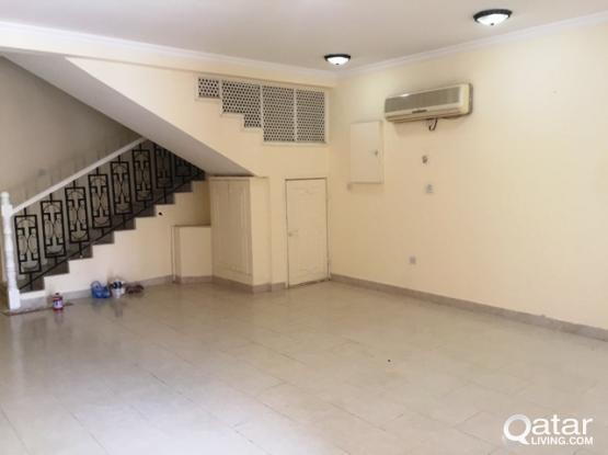 6 BHK Unfurnished Stand Alone Villa in Matar Qadeem (near Shoprite)