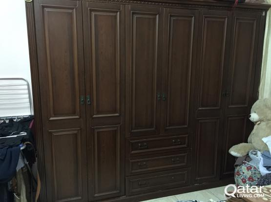 Large wardrobe 6 door