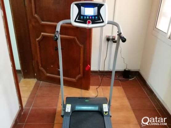 Treadmill for Sale - 2 Months old, Rarely Used with box (Leaving Qatar) QAR 700