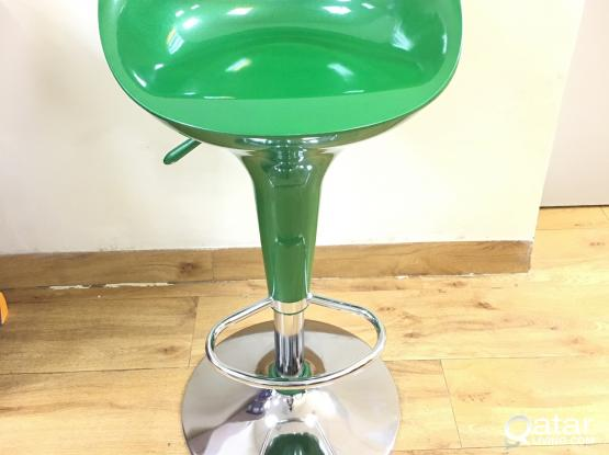 BAR STOOL PLASTIC BRAND NEW CONTACT:33280157