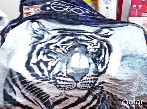 Imperial White Tiger Felt King-sized Comforter
