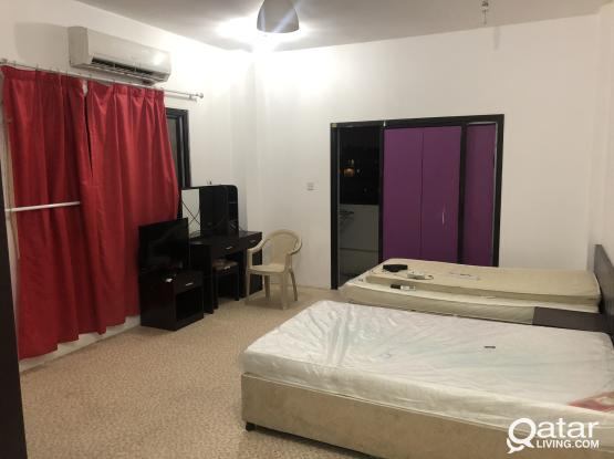 Fully furnished room for executive bachelor in old airport road near pizza hut