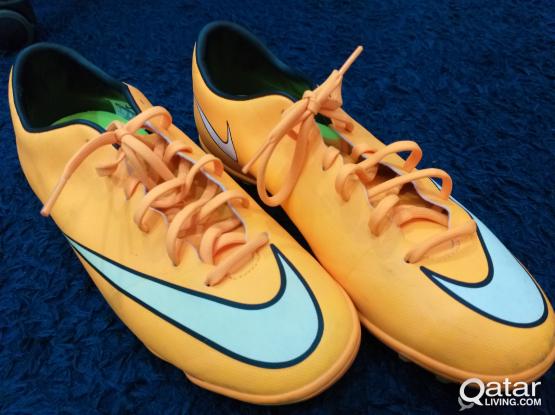 Nike football shoes, size 42.5