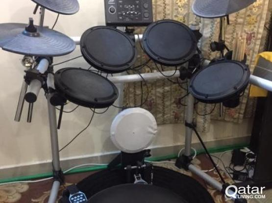 Electronic Drum kit (FAME) from germany @ 2700/- contact 33088698