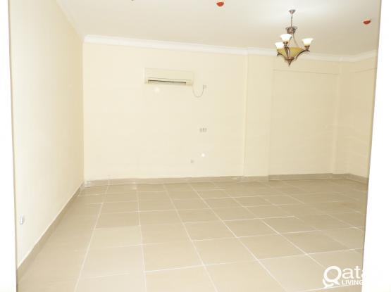SPACIOUS 3BHK  SEMI FURNISHED FLATS AVAILABLE IN MANSOURA.