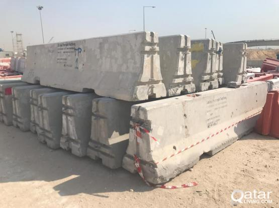 CONCRETE BARRIERS (3.8 Meter)