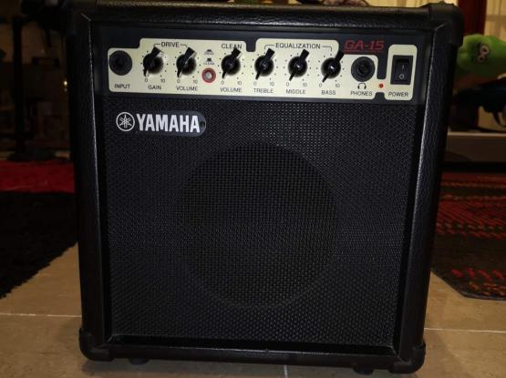 Yamaha 15 watts amplifier