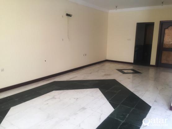 5 BHK Unfurnished Compound Villa in Gharafa