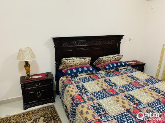 Wooden Bed Room Set with King Size Mattress