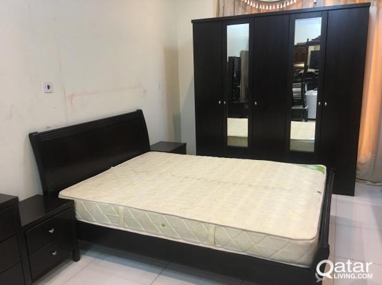 Urgent Sell Queen Bedroom Set -Excillent Condition