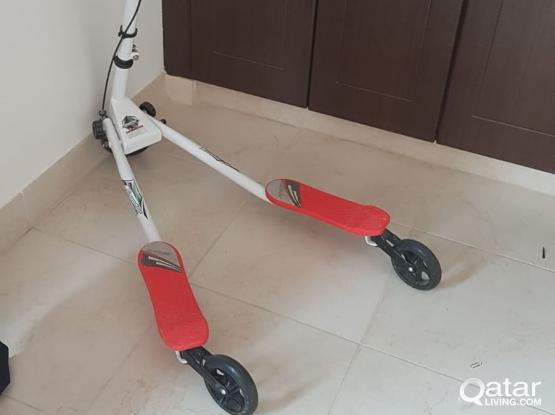 Speeder scooter 3 wheels