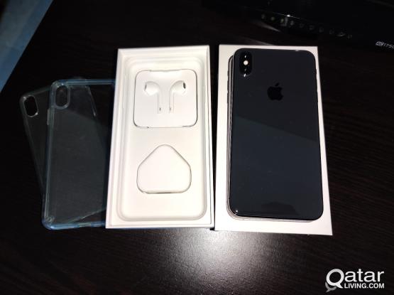 Apple iPhone XS max 64gb like new under warranty