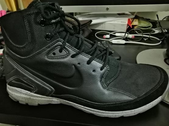 Original Nike ACG Sneaker Boots sz 11.5US