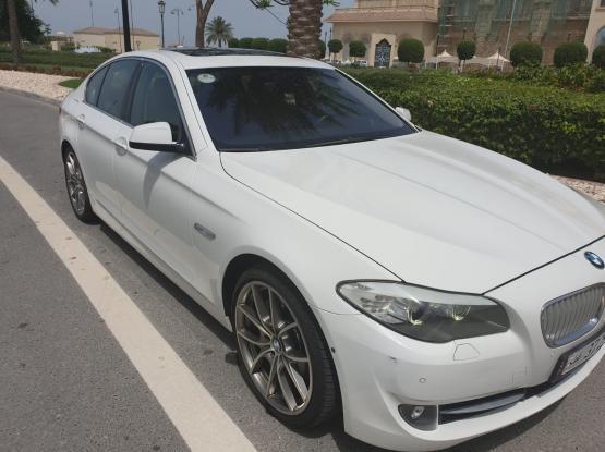 BMW 5-Series 550 i 2011
