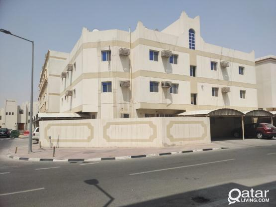 GREAT OFFER!2 bedrooms apartment for rent in Madinat Khalifa